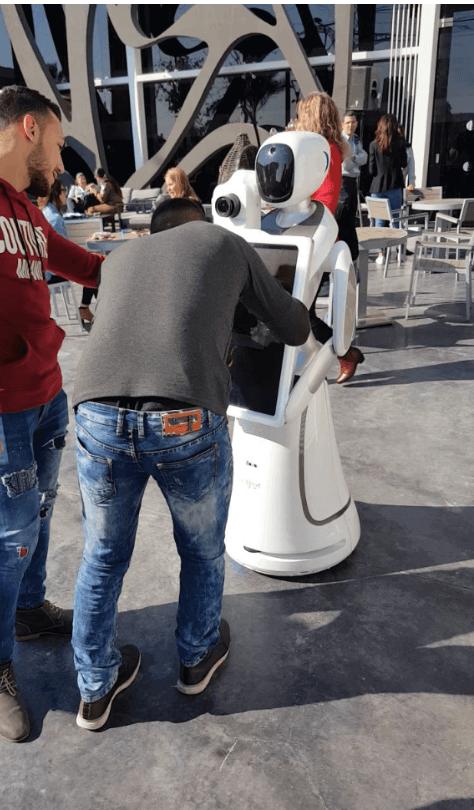 רובוט צילום